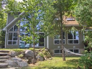 Haliburton Highlands Contau Lake Retreat (Sleep14) - Gooderham vacation rentals