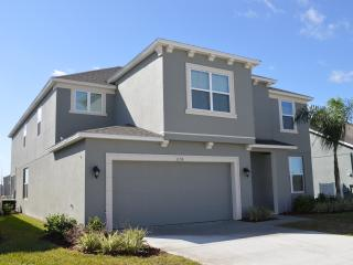 Comfortable Home 8 Bed / 6 Bath Disney Pool Golf - Davenport vacation rentals