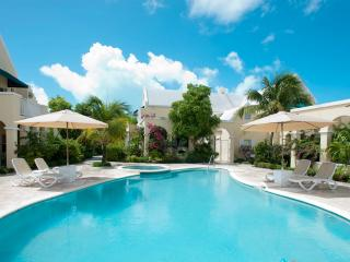 Spacious 3bdr 200 yards from Grace Bay beach - Providenciales vacation rentals