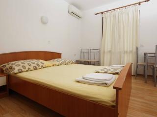 Cico  studio 3 for 2 pax on Hvar - Jelsa vacation rentals