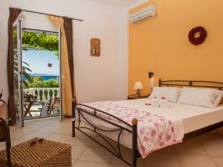 Bright Condo in Alykanas with Housekeeping Included, sleeps 6 - Alykanas vacation rentals