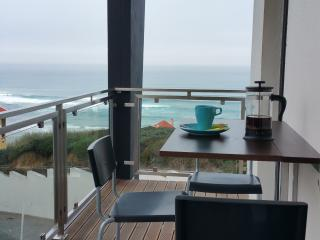 Sea Views and Steps to the Beach - Foz do Arelho vacation rentals