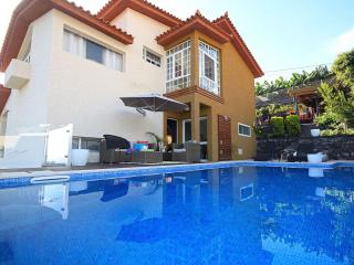 Villa Camacho III - Valley House - Calheta vacation rentals