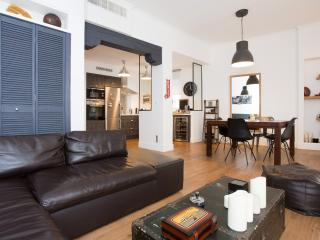 CANNES (Suquet): Apart. 2 Bedrooms - Cannes vacation rentals