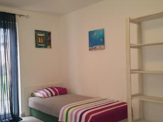 Apartment with garden in the center of Novalja - Novalja vacation rentals