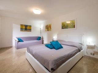 Cedro appartamento spazioso - Castellammare del Golfo vacation rentals