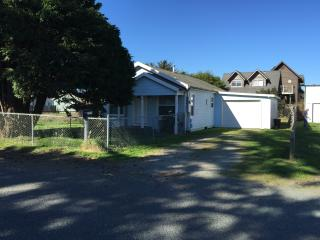 2 bedroom House with Television in Crescent City - Crescent City vacation rentals