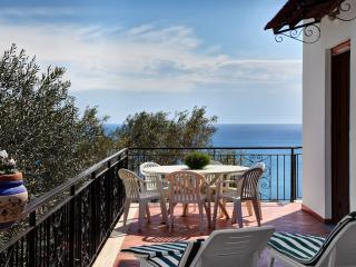 Nice Condo with Internet Access and Central Heating - Massa Lubrense vacation rentals