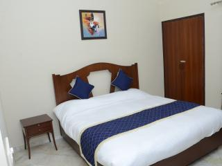 Nice Condo with Internet Access and A/C - New Delhi vacation rentals