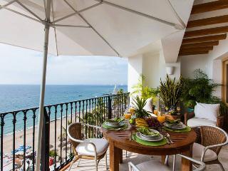 3BR. PENTHOUSE CONDO BEACH FRONT - Puerto Vallarta vacation rentals