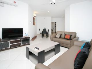Home-Suites – Gurney Seaview Apartment in Penang. - Georgetown vacation rentals