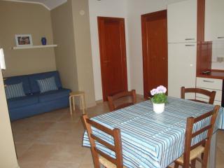 Appartamento climatizzato per 4/5 persone - Cabras vacation rentals