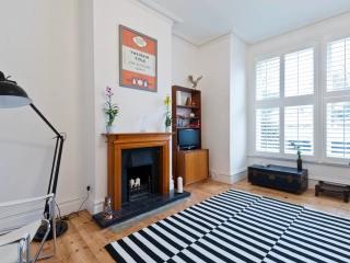 Designer flat in Teddington, SW London - Teddington vacation rentals