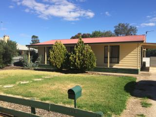 Nice House with A/C and Parking - Bordertown vacation rentals