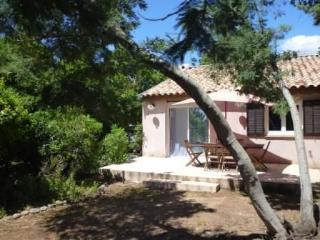 Maison individuelle dans résidence, pour 6/8 perso - Sainte Lucie De Porto Vecchio vacation rentals