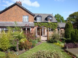 Hough Cottage, Comberbach - rural country cottage - Northwich vacation rentals