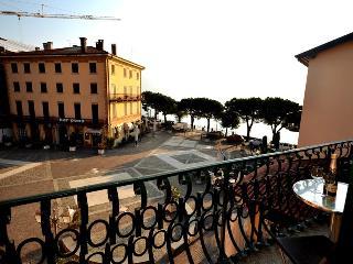 Bright 2 bedroom Apartment in Menaggio - Menaggio vacation rentals