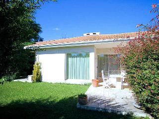 Baillargues Hérault, Villa 6p. in the heart of the green of Massane, 15 min. from Montpellier - Mont-roig del Camp vacation rentals