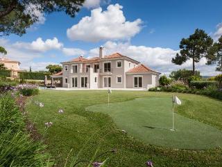 Nice Villa with Internet Access and A/C - Quinta do Lago vacation rentals