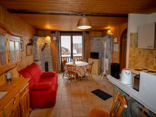 Cozy 1 bedroom Saint Bon Tarentaise Apartment with Internet Access - Saint Bon Tarentaise vacation rentals
