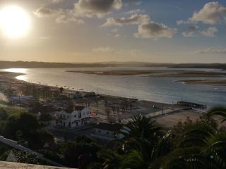 Sea Views and Steps to the Beach - Foz do Arelho vacation rentals