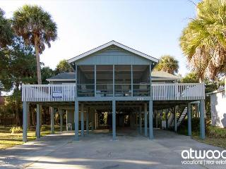 Pompano Crab Inn - Well Maintained Beach Walk Home - 4BR/2BA - Edisto Island vacation rentals
