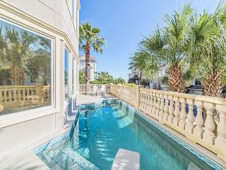 Collier Court 3, Luxury 6 Bedrooms, Private Pool, Elevator, Sleeps 14 - Hilton Head vacation rentals