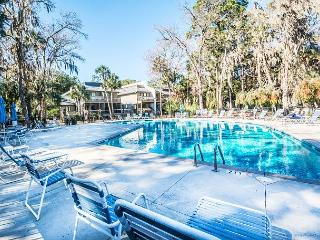 Tennismaster 704, 2 Bedrooms, Pool, Tennis, Walk to Beach, Sleeps 6 - Forest Beach vacation rentals