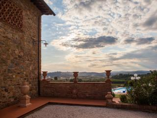 Private Villa with panoramic pool - Villa Giola - Foiano Della Chiana vacation rentals