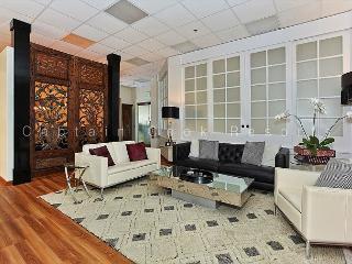 RARE 3-bedroom beauty in central Waikiki!  Great Amenities! No Resort Fees! - Waikiki vacation rentals