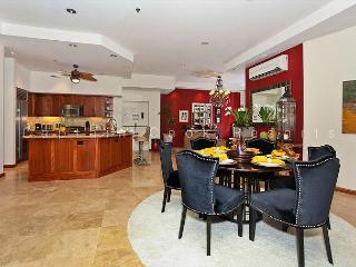 Big as a house! Large, luxurious 2 bed 2.5 bath condo with parking. Sleeps 8 - Waikiki vacation rentals