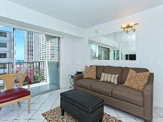 Bright one-bedroom with central AC, just a 5 min. walk to beach!  Sleeps 4. - Waikiki vacation rentals