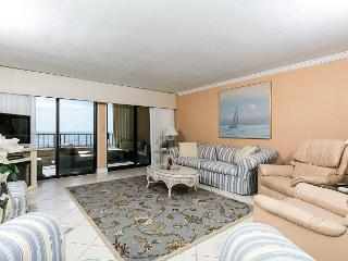 SD 402: Kick your feet up BEACHFRONT from this SPACIOUS 2/BR CONDO! - Fort Walton Beach vacation rentals