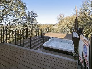 Huge  tub privacy in Wine Country - Templeton vacation rentals