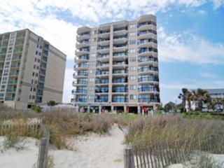 2 bedroom oceanfront condo (end unit) that sleeps 6 - North Myrtle Beach vacation rentals