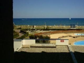Nice Studio with Shared Outdoor Pool and Television - Le Barcares vacation rentals