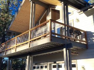 """""""Peak Retreat"""" a Blue Lake Springs home in the treetops awaiting your arrival - Arnold vacation rentals"""