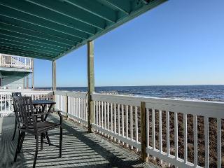 Sands III C2 - Fantastic ocean front condo with pool - Carolina Beach vacation rentals