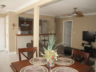 Crisp & Clean..Super Cute Unit!! Located on the second floor. Pools, tennis.. - Destin vacation rentals