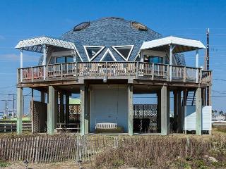 """""""Surfside"""" - A Beachfront 3BR in Galveston - World vacation rentals"""
