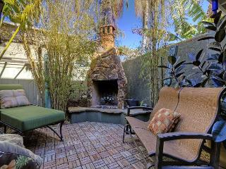 Bright & Beautiful 4BR in Newport Beach – Walk to beach! Great for long stays - World vacation rentals