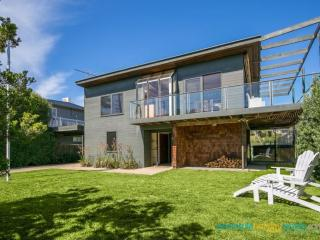 Gorgeous 3 bedroom House in Blairgowrie with Television - Blairgowrie vacation rentals