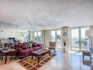 Contemporary & Cozy with a Gulf View, Centrally Located! - Pensacola Beach vacation rentals