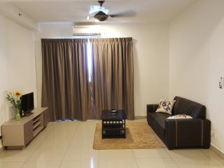 Nice Condo with A/C and Parking Space - Johor Bahru vacation rentals