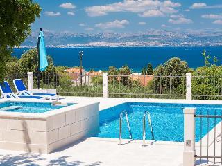 2 bedroom House with Television in Mirca - Mirca vacation rentals