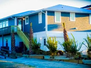 4 bedroom House with Porch in Surf City - Surf City vacation rentals