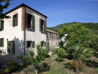 Nice Condo with Central Heating and Washing Machine - Galzignano Terme vacation rentals