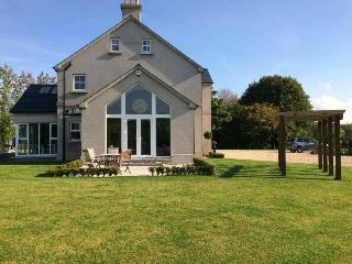 Beautiful 1 bedroom Vacation Rental in Aughnacloy - Aughnacloy vacation rentals