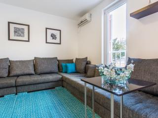 Cozy Condo with Grill and Satellite Or Cable TV in Baska - Baska vacation rentals