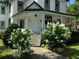 Jamieson House, Picton's Luxury Weekly Rental - Picton vacation rentals
